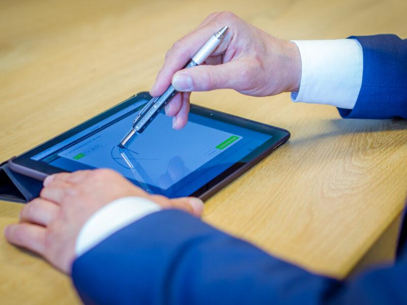 Elektronisch ondertekenen is dé volgende stap in HRM - Van Winssen Personeel en Salaris_58