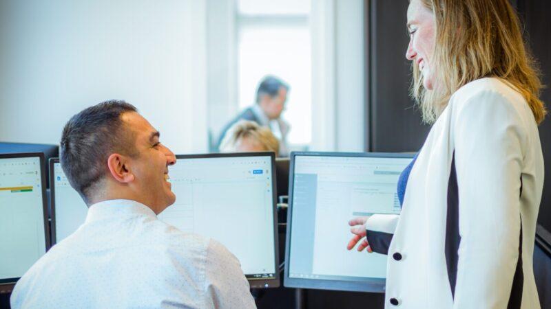 Hoe werkt uit uitbesteden van uw salarisadministratie?