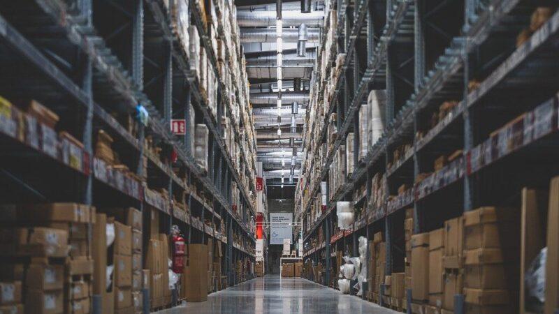 Wie is specialist in de salarisadministratie voor groothandels en magazijnen? Van Winssen Personeel en Salaris!